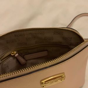 Michael Kors Bags - Light Pink MICHAEL KORS Purse